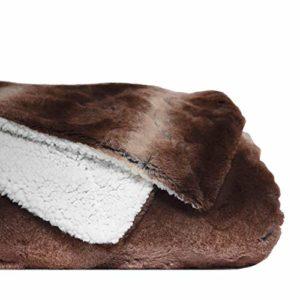 mello Plaid canape Grande Taille | Plaid Fourrure Reversible Peau de Mouton, Couvre lit 150×200 | Plaid Polaire Tout Doux, Couverture Polaire pour jeté de canapé, Dessus de lit | Lavable, Marron