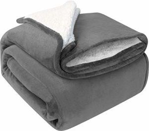 Utopia Bedding Couverture Plaid Peluche Effet Mouton Réversible (200 x 150 cm) – Super Chaude – Couverture de canapé Confortable et légère (Gris)